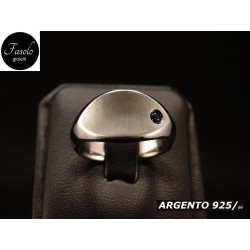 Anello design satinato e lucido