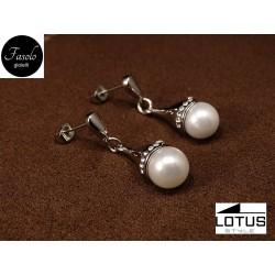 Orecchini a goccia con perle